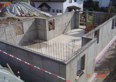 Kellerwände eines Einfamilienhauses Massiv geschalt aus Stahlbeton